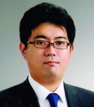 Dr. Masakazu Aihara of the University of Tokyo